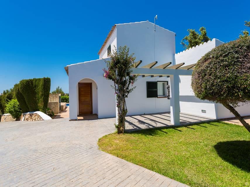 Villa finesse casas de lujo con piscina privada en menorca - Casas de lujo en menorca ...