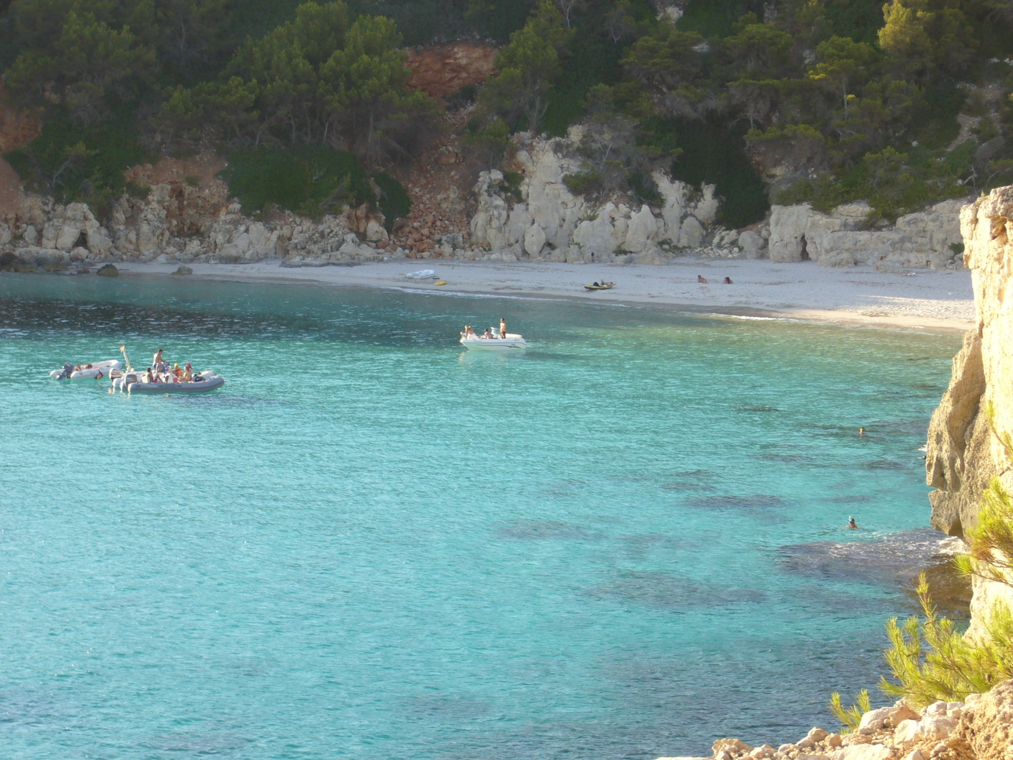 3 hidden beaches in the south of Menorca to enjoy with your