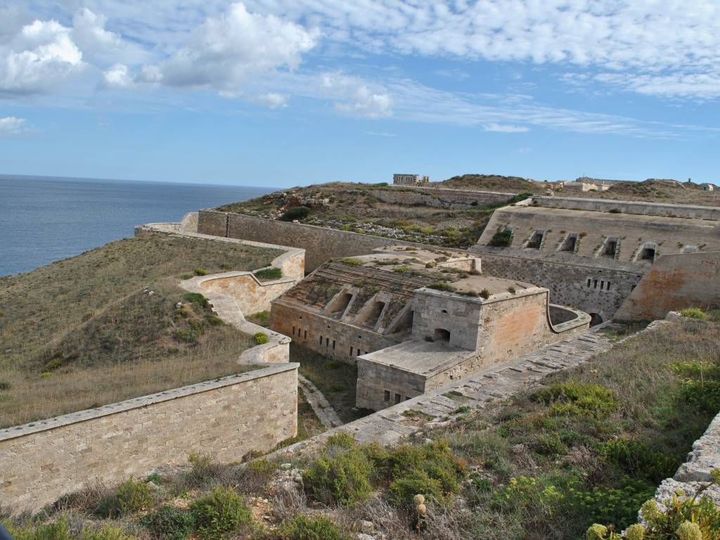 Do you know the secrets of the fort of La Mola in Menorca?