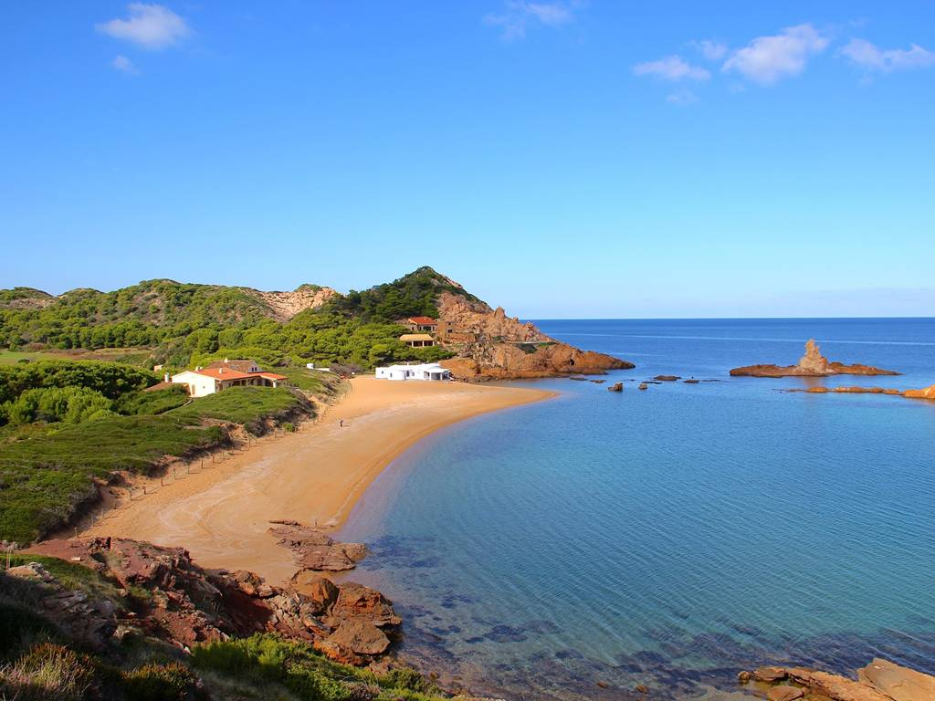 You can not miss these 3 beaches in Menorca's north coast